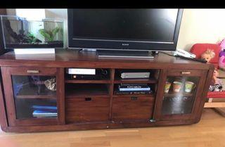 Mueble Television estilo colonial de BANAK