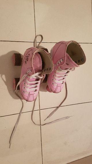 Patines 4 ruedas rosa niños. Talla 31