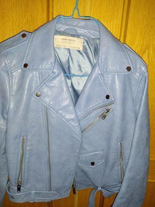 cazadora azul Zara. talla S. biker