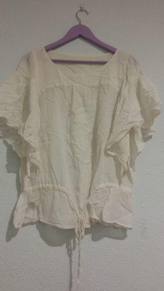 Camiseta ancha blanca de verano
