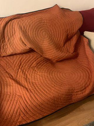 Cubre cama / sofá / colcha