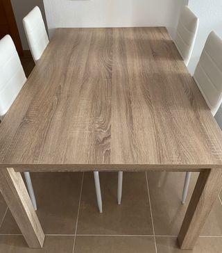Mesa salon extensible y sillas polipiel