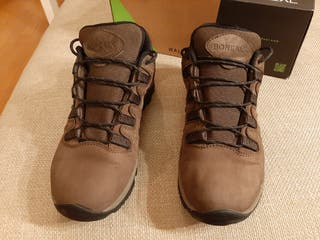 zapato de montaña y de ciudad Boreal