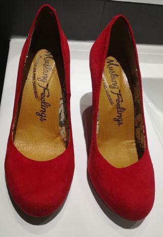 zapatos rojos fiesta