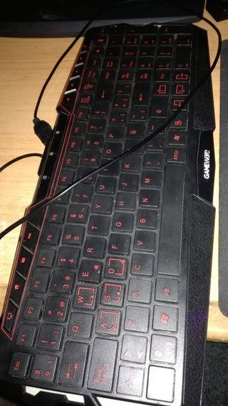 Teclado Gaming con luz roja