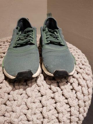Zapatillas Adidas nmd Edición limitada.