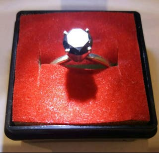 Enorme diamante 1.32cts sobre anillo plata de ley