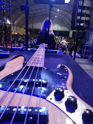 bajo Fender Squier mofied 70s 5c