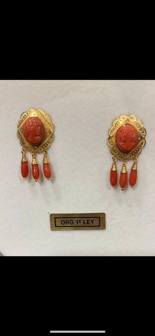 Pendientes coral oro