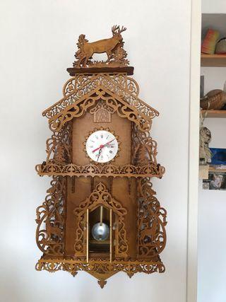 Reloj artesano de marquetería totalmente nuevo