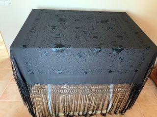 Mantón negro