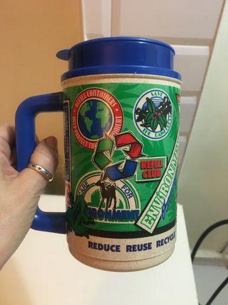 Vaso-termo para el café de plástico reciclado. USA