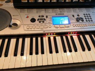 Piano Yamaha EZ30
