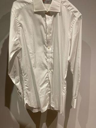 Camisa blanca de traje nueva