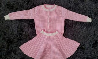 age 6 wool set excellent condition