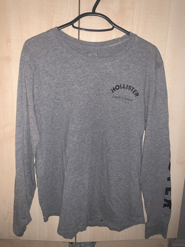 Holister long sleeve t