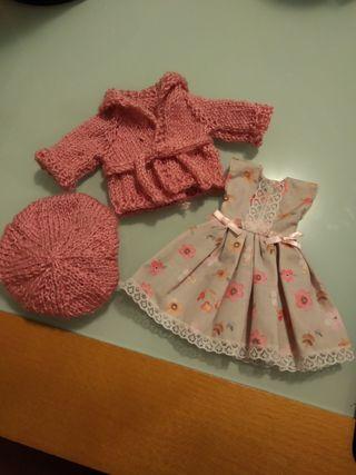 ropa para muñeca válida para Paola reina