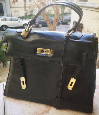 Bolso estilo Hermès Kelly en negro