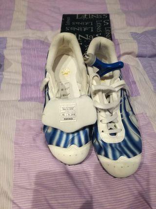 Zapatillas Atletismo Clavos Asics