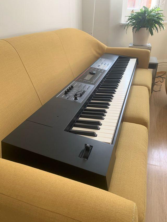 Roland Juno DS - 88 Keyboard