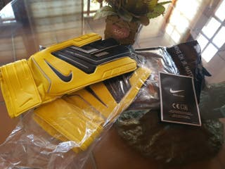guantes de fútbol NIke