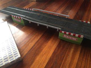 Scalextric set puente