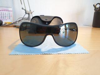 Gafas de Sol Ray-Ban Original Unisex (RB4086).