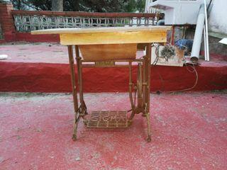 màquina de coser antigua
