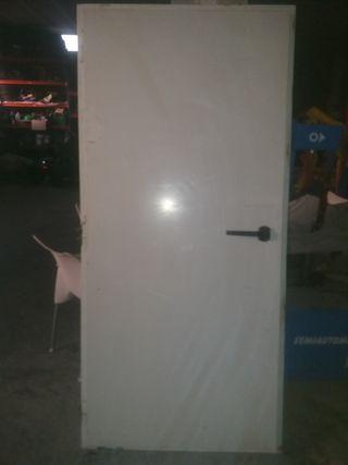 puerta climatizada insonora