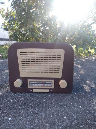 radio + Coffre