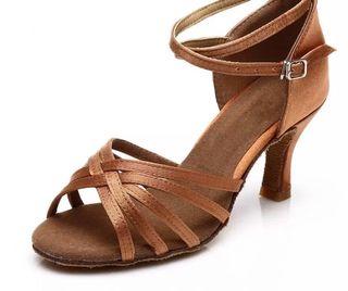 Zapato baile latino talla 36 tacón 7