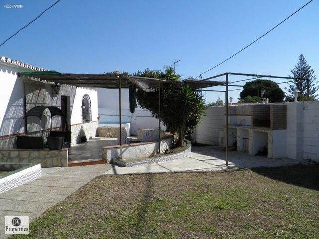 Chalet en venta Frigiliana con 70 m2 y piscina (Frigiliana, Málaga)