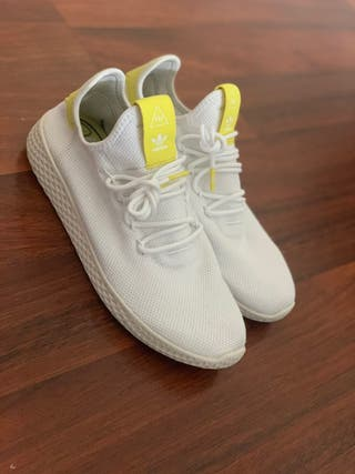 Adidas pharrell Williams HU blancas.