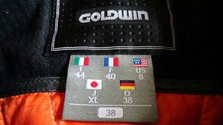 Traje esquí chica Goldwin. Nuevo vale 950€