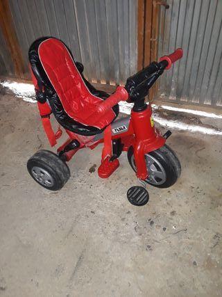 vendo triciclo para niño edad 2a3años en perfecto