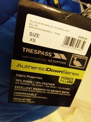 Anorak Trespass con etiqueta