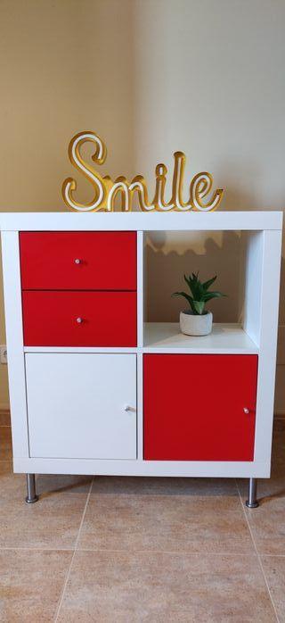 Mueble estantería Ikea con cajones y puertas