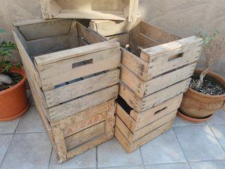 5 cajones de fruta antiguos
