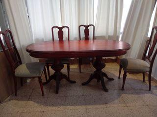 mesa antigua de madera extensible