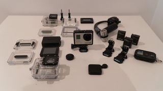 GoPro Hero 3+ Black con accesorios y baterías