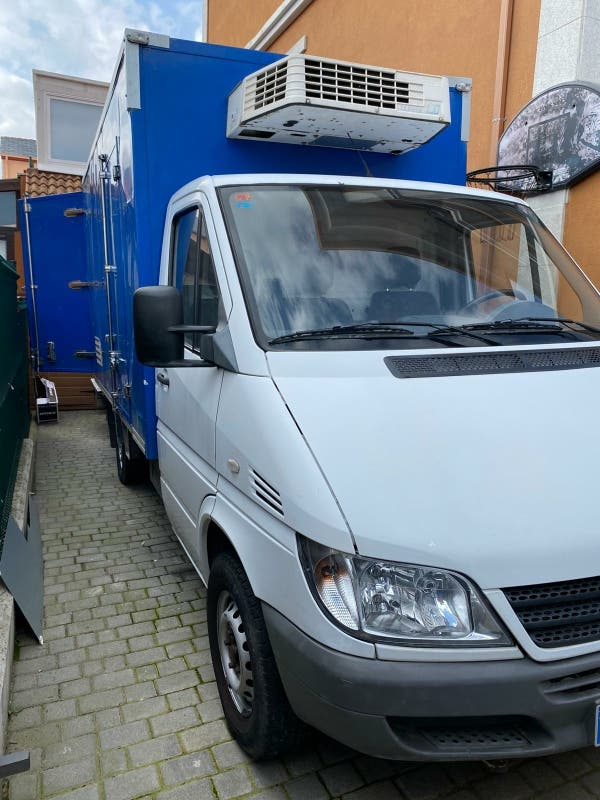 Mercedes-Benz Sprinter 2004 ideal para carga, camperizar, etc..