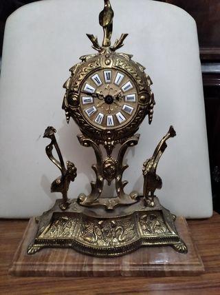 Reloj bronce antiguo. Vintage años 30/40