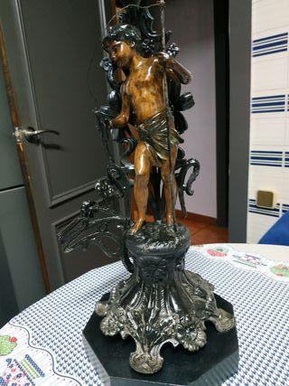 figura Modernista bronce