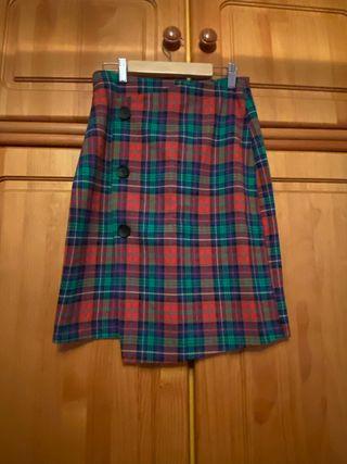 Falda escocesa pull and bear