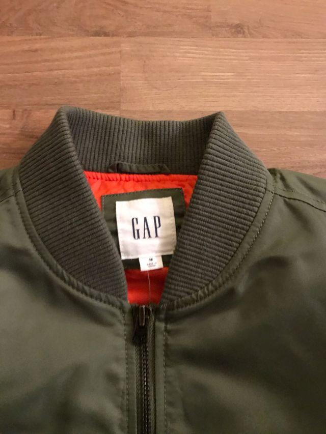 Chaqueta Bomber marca GAP