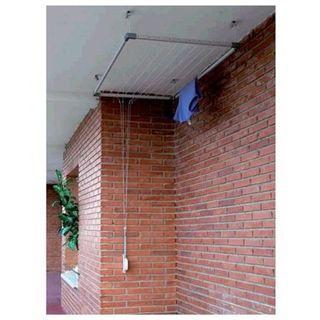 Montarje de tendedero en techo
