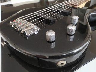 Bajo de 5 cuerdas Fender Squier