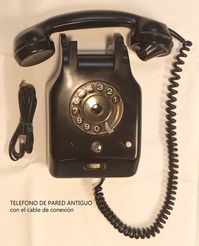 TELEFONO DE PARED ANTIGUO