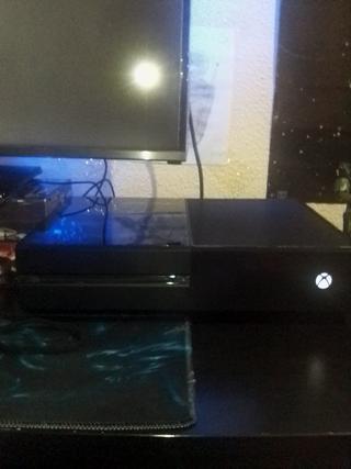 Xbox One 500GB+3 juegos+Mando PDP para shooters