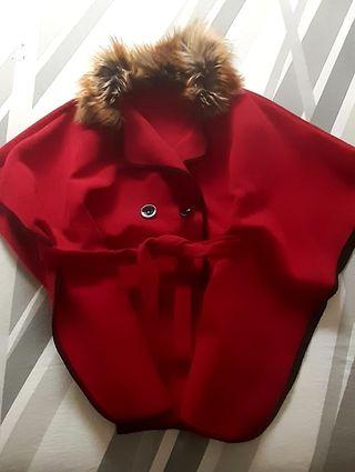 Abrigo capa, tipo Chanel